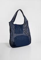Superbalist - Ivy netted shopper bag - blue