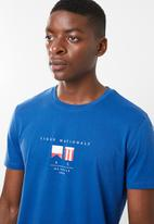Superbalist - Printed crew neck tee - blue