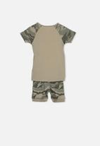 Cotton On - Angus boys short sleeve raglan pyjama set - taupe