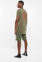 Superbalist - Printed curved hem tee - khaki green