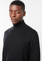 Superbalist - Plain roll neck tee - black