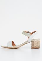 Butterfly Feet - Ankle strap heels - grey