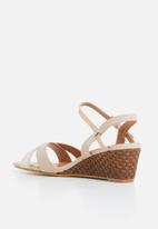 Butterfly Feet - Nalayka wedge heel - pale pink