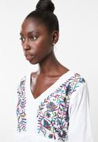 Lithe - Embroidered kaftan 1 - pink