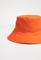 Superbalist - Chance bucket hat - orange