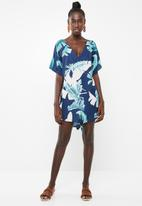 Lu-May - Leaf print kaftan - navy & green
