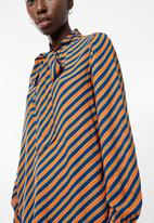 Vero Moda - Wrill long sleeve bow top - orange & navy