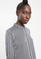 Vero Moda - Decadent long sleeve shirt - black & white