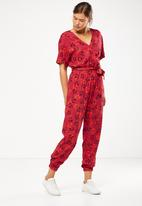 Cotton On - Woven olivia jumpsuit - red