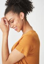 Cotton On - Elisa scoop neck rib tee - mustard