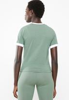PUMA - Classics tight T7 tee - green & white