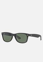Ray-Ban - New Wayfarer sunglasses - green / black