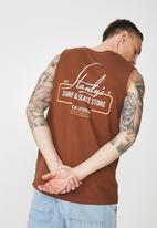 Cotton On - Stanly's Tbar muscle tee - brown