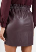 Vero Moda - Riley ruffle short skirt - burgundy