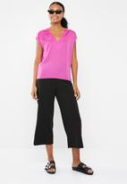 Vero Moda - Dean mix short sleeve wide top - pink