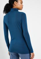 Vero Moda - Jakuri long sleeve midid rollneck top - blue