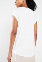 Vero Moda - Dean mix short sleeve wide top - white