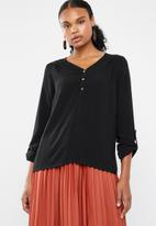 Vero Moda - Debbie lace long sleeve top - black
