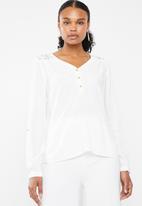 Vero Moda - Debbie lace long sleeve top - white