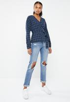 Vero Moda - Nicky long sleeve wrap top - navy