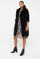 Vero Moda - Lala 3/4 faux fur jacket - black