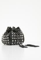 Superbalist - Studded bucket bag - black