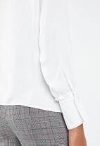 Vero Moda - Sandra long sleeve shirt - white