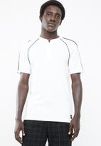 Only & Sons - David raglan zip short sleeve polo - white & black