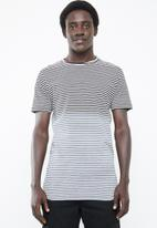 Only & Sons - Hanson bleached stripe tee - black & white