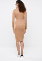 Missguided - Ribbed popper midi dress - beige