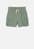 Cotton On - Henry slouch short - green