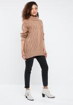 Superbalist - Cable knit chunky - tan