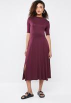 Superbalist - Knit midi dress - burgundy