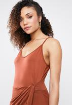 Superbalist - Sleeveless twist dress - tan