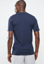 Nike - NSW tee club embroidered future - navy