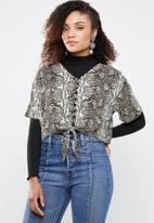 Superbalist - Tie front blouse snake print - multi