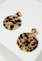 Cotton On - Resin round statement earring - brown & beige