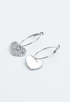 Joy Collectables - Heart diamante earrings - silver