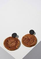 Cotton On - Mandalay beach earrings - brown & black