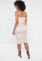 Missguided - Strappy square neck suede midi dress - beige