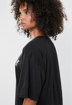 Missguided - Oversized North short sleeve T-shirt mini dress - black