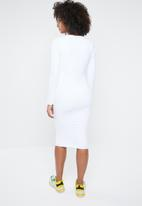 Missguided - Long sleeve buckle midi dress - white