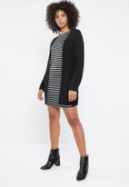 ONLY - Brilliant 3/4 dress - stripes black & white