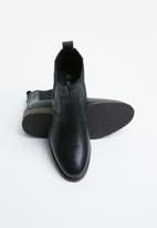 Superbalist - Cameron leather chelsea boot- black