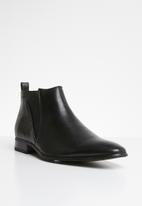Gino Paoli - Fancy gusset boot - black