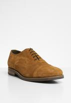 Superbalist - Billy suede oxford - tan
