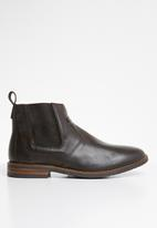 Superbalist - Cameron leather chelsea boot - brown