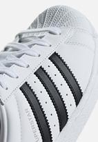 adidas Originals - Superstar shoes - white/black/soft vision