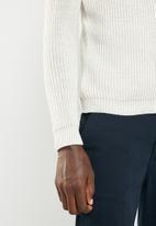 Superbalist - Chunky textured deep V-neck knit - cream