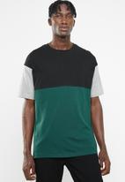 Superbalist - Loose fit colour-blocked tee - green & black